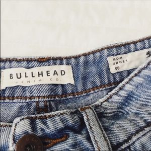 Bullhead highwaisted mom shorts